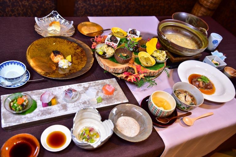 草庵秋桜 -料理-夕食の献立(11月撮影)
